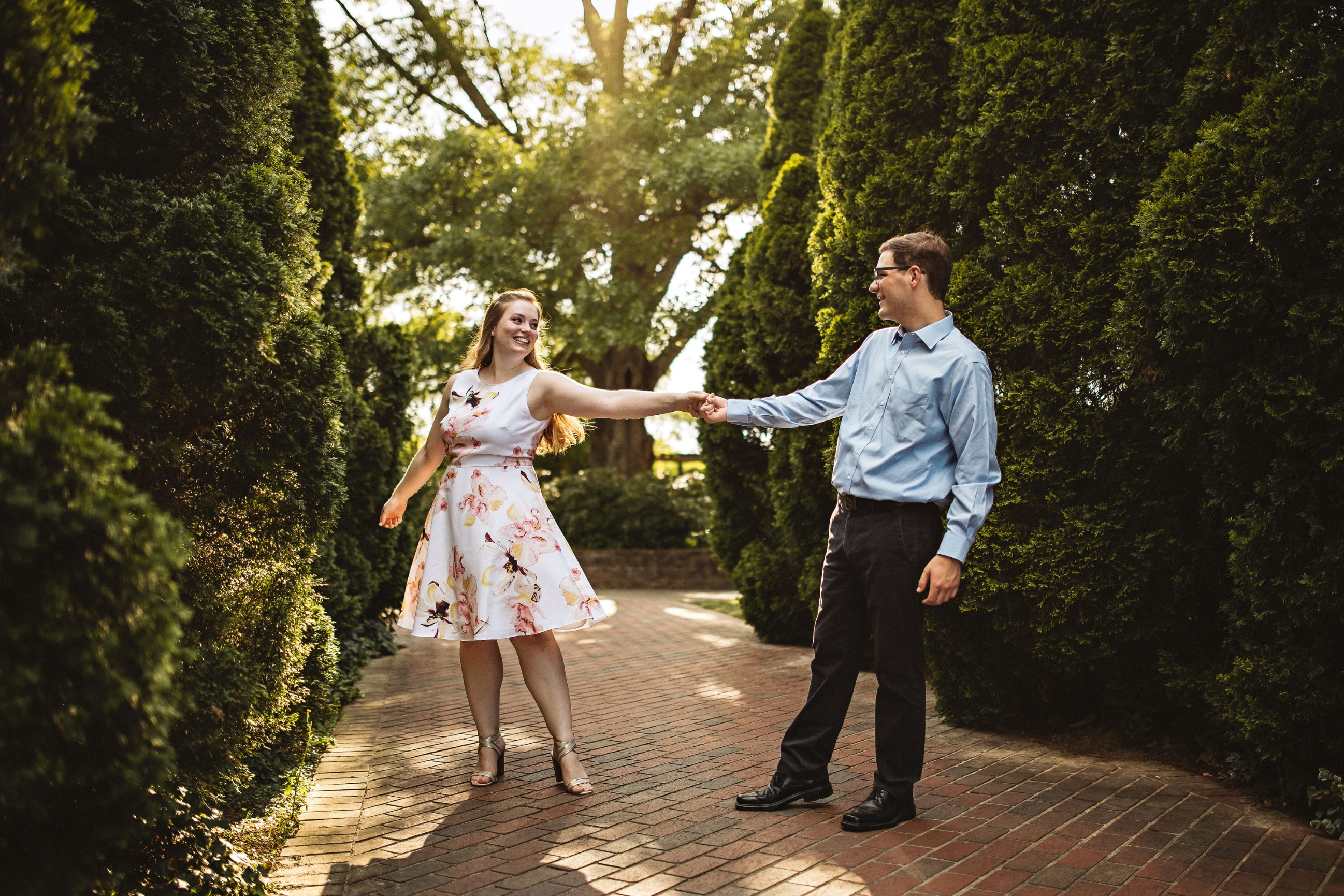 Alexandra & Henry—A Memphis Botanic Garden Engagement Session ...