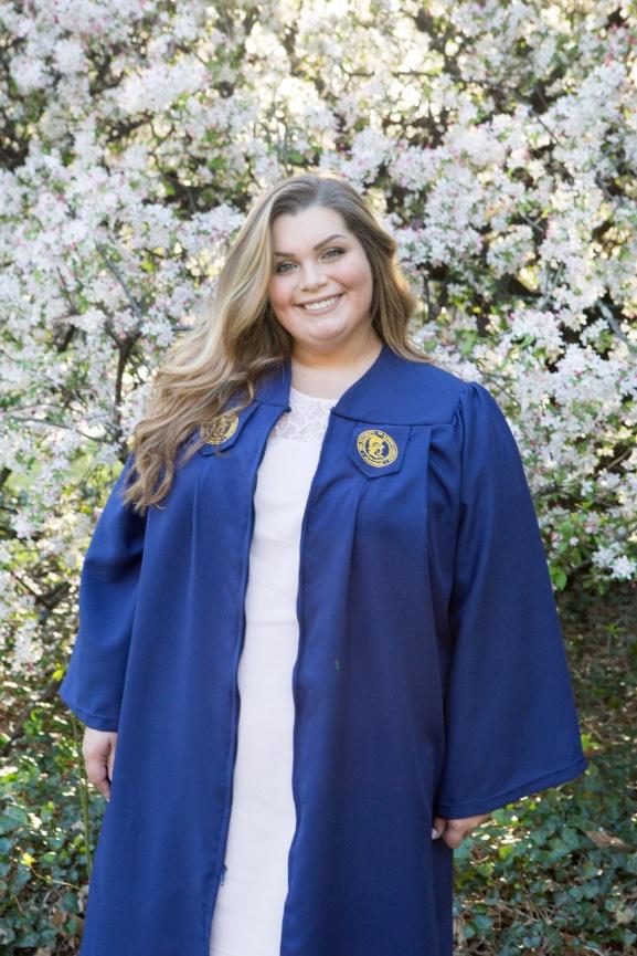 Uncg Cap Gown And Graduation Session Elizabeth Larson Photography